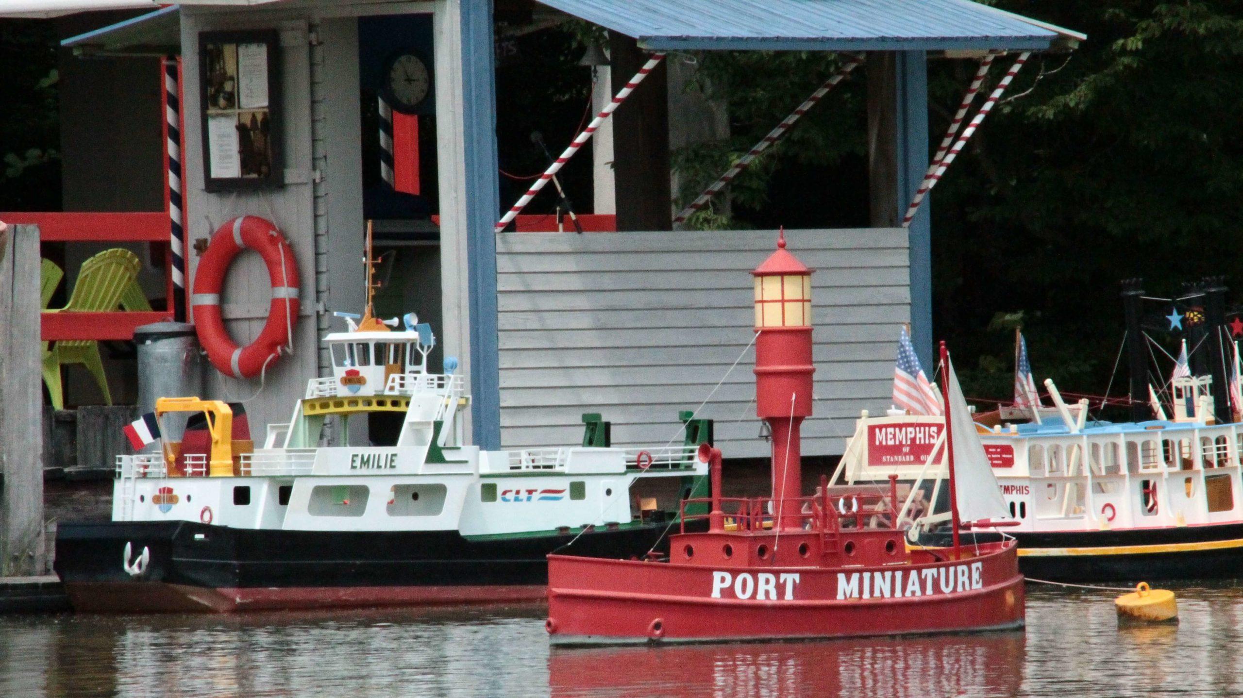 le port miniature saint savinien le mung